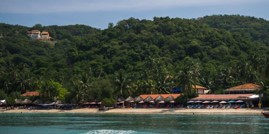 Playa Las Gatas Beach Zihuatanejo