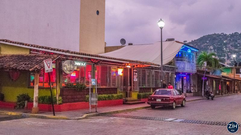 Covers Vida Nocturna Ixtapa Zihuatanejo Nightlife
